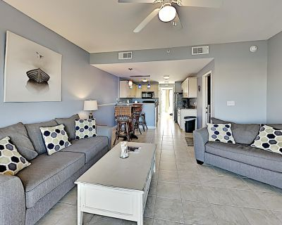Waterview Townhome with Complimentary Kayaks and Paddleboard - Villa Sabine Townhouses