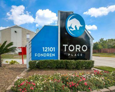 Toro Place