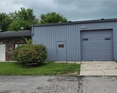457 Wall St, Greenwood, IN 46143 Studio Apartment