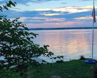 Time Peace on Seneca Lake- Peaceful Lakefront Wine Trail Retreat - Town of Benton