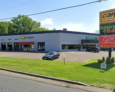 Auto Mall Retail Space for Lease