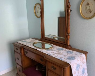 Maple Vintage bedroom set:dresser, vanity & bench, four poster bed frame.