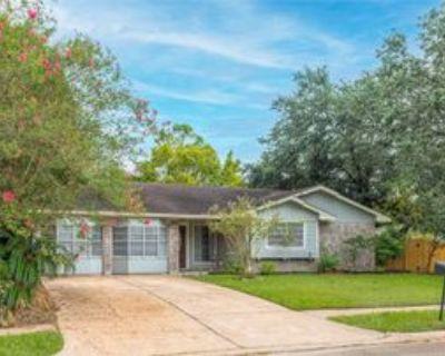9314 Autauga St, Houston, TX 77080 4 Bedroom Apartment
