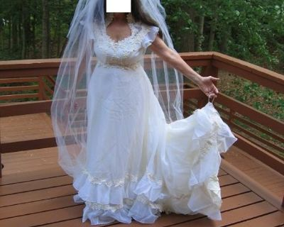 $99/REDUCED - White Organza & Lace Wedding Dress w/ Camelot Cap Veil (Size 6 or 8)