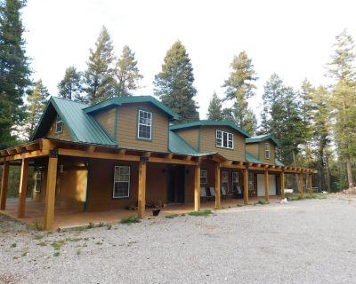 Corina's Grace Way Lodge - Mayhill