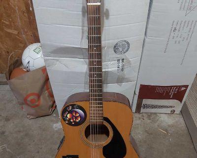 Yamaha electric/acoustic guitar
