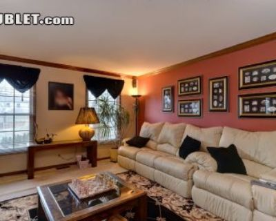 $1100 4 single-family home in West Suburbs