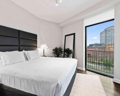 New! Bright and Airy Luxury Condo 1bd/1ba in Buckhead - Midtown