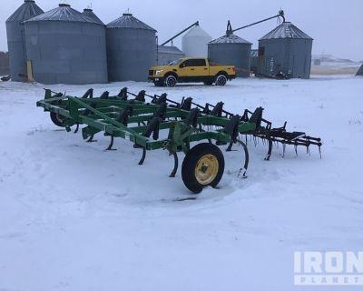 John Deere E1600 Chisel Plow