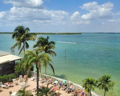 Southern Comfort - One Bedroom Apartment, Sleeps 4 - Fort Myers Beach