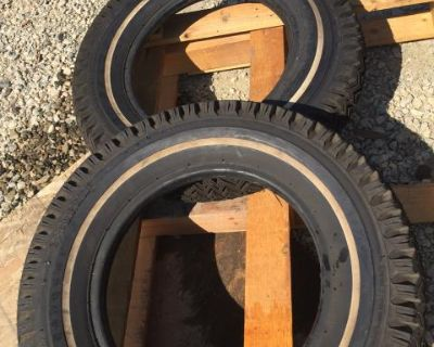 NOS pair of 2 stock tire Gillette 560-15