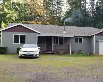 Private room with shared bathroom - Oregon City , OR 97045