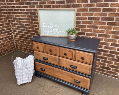 Solid wood 3 drawer dresser