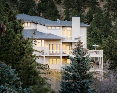 Foothills Panorama | 5 Bedrooms | Near Univ of CO! - Boulder County