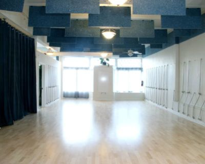 Creative Studio with Natural Light, Easy Parking, Portland, OR