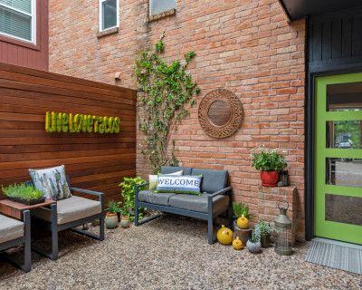 Urban Townhome with Garden Oasis, Houston, TX