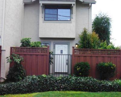 340 W. Sunnyoaks Ave