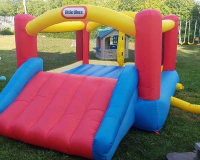 Rent - Bouncy house/ Bouncy castle inflatable (Indoor/Outdoor)