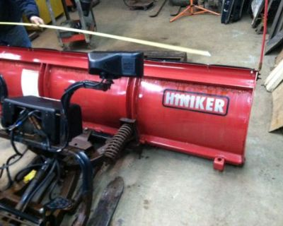 Hiniker 8' Snow Plow. Complete Setup For 2008-2016 Ford F-250, 350, 450, 550.