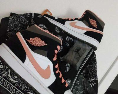 Air Jordan 1 Mid Peach Mocha