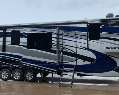 2019 Forest River Riverstone 39FKTH Toy Hauler