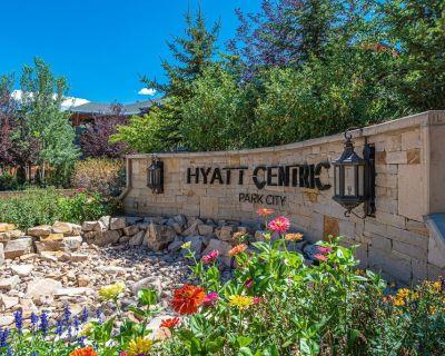 Luxury Amenities and Resort Ski In Ski Out Pool Hyatt Double Queen Hotel Room - Park City