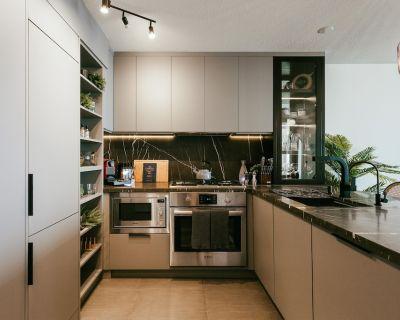 Evergreen Loft Designer Apt in Central Richmond - Richmond City Centre