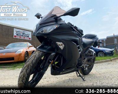 2016 Kawasaki EX300-B Ninja