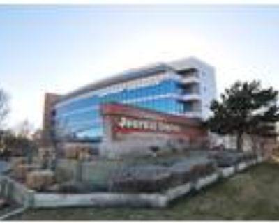 Albuquerque, Get 90sqft of private office space plus 540sqft