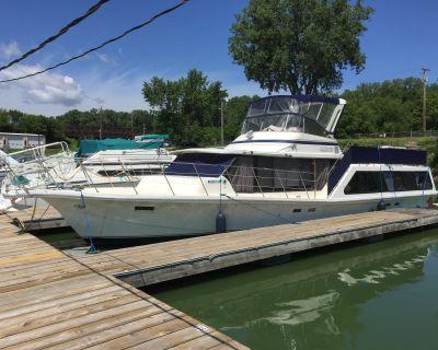 1984 Bluewater Yachts Boatel Cruiser