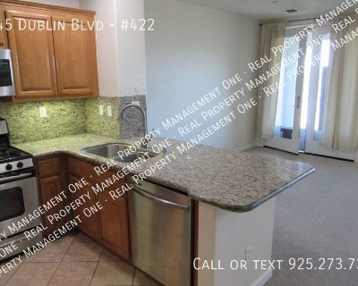 Spacious Two Level Luxury 2 Bed/2.5 Bath Condo Close to Everything in Dublin