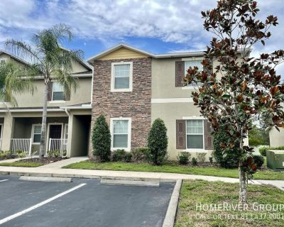3 bedroom townhome in gated community