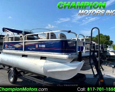 Used 2018 Sun Tracker Bass Buggy 16 DLX Pontoon Boat w/Mercury 40HP CT 4S