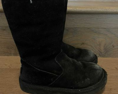 UGGS T12