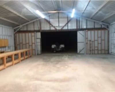 3bdrm house w/hanger on prvt airport for rent