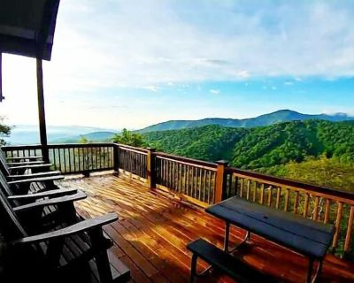 3BR, Big Views of Grandfather, Wall of Windows, Privacy, Game Table, Near Snow Tubing and Skiing - Seven Devils