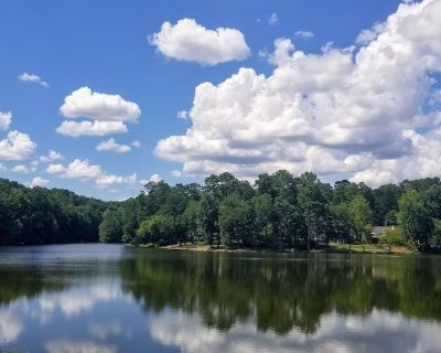Stunning Lakeside Home - Roswell