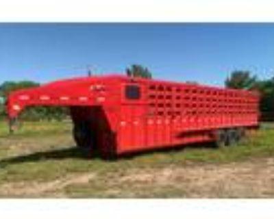 2022 Maxxim Industries 32' Stock Combo Livestock Trailer **DEMO MODEL** Stock