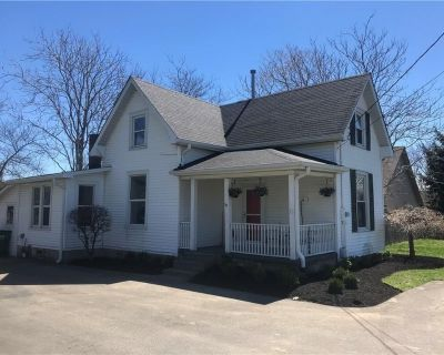 Historical Renovated Downtown Westfield Farmhouse - Westfield