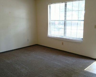Apartment Rental - 916 NE 68th St