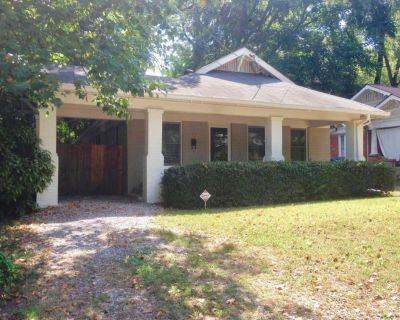 Shane S is offering a Room For Rent in Grant Park, Atlanta in August 2021