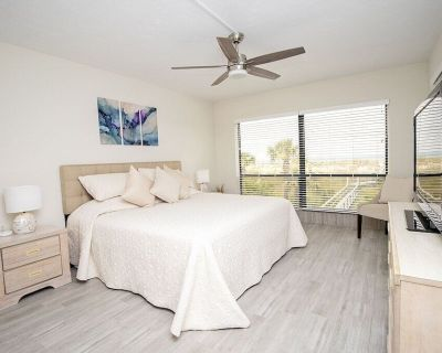 Sea Oats Villas 5 -Luxurious oceanfront condo - Monthly rates available - St. Augustine Beach