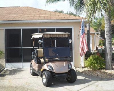 Spanish Springs area Courtyard Villa w/ golf car, pet friendly - Lady Lake