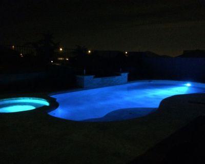 5 Bedroom House With Heated Pool & Hot Tub- Sleeps 11 - Chandler