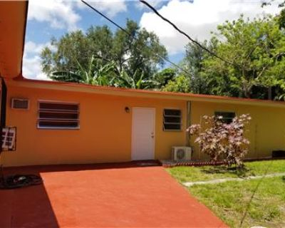 $1100/Mo.- 1 Bed/ 1 Bath House in quiet & peaceful