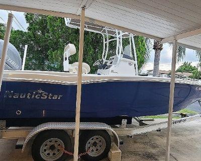 2017 NauticStar 231 Coastal