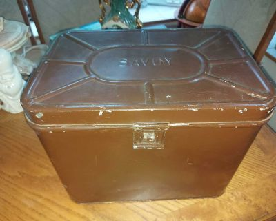 """Antique (ca. 1915) large tin metal Savoy vented Cake Box 12"""" by 15"""" by 11"""""""