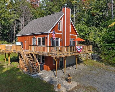 Mount Snow Area Home with a Hot Tub, Fire Pit, Set Back in the Woods! - Wardsboro