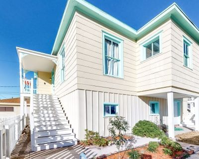Dog-friendly Home With High-speed Wifi, Central AC, Washer/dryer, and Firepit! - Galveston