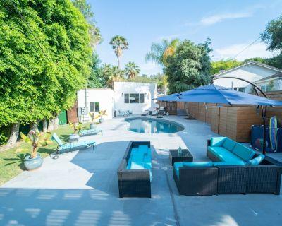 Upscale home. Pool. Chic Kitchen. Walk to Universal Studios. Base to explore LA. - Studio City